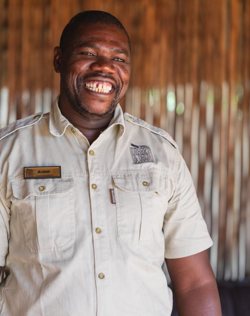 """Kehutsitswe """"Action"""" Gabaikanye of Desert & Delta Safaris"""